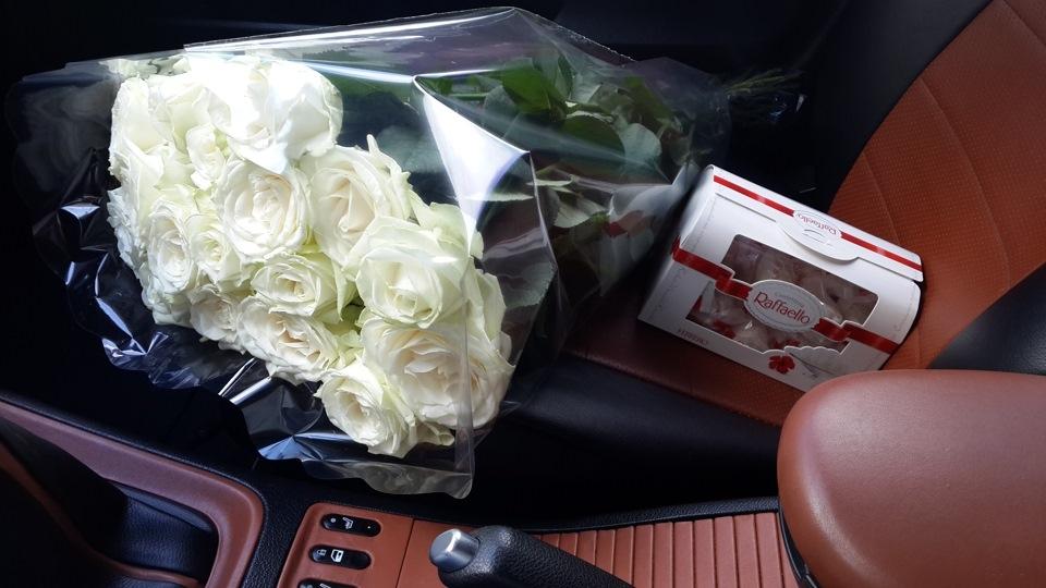 поэтому все букет цветов в машине на сиденье фото первой половине