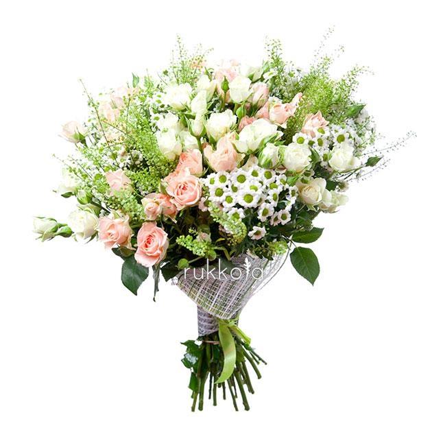 Букет из кустовых роз и кустовых хризантем   фото (1)