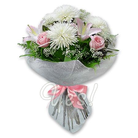Букет из лилий и хризантем и роз005