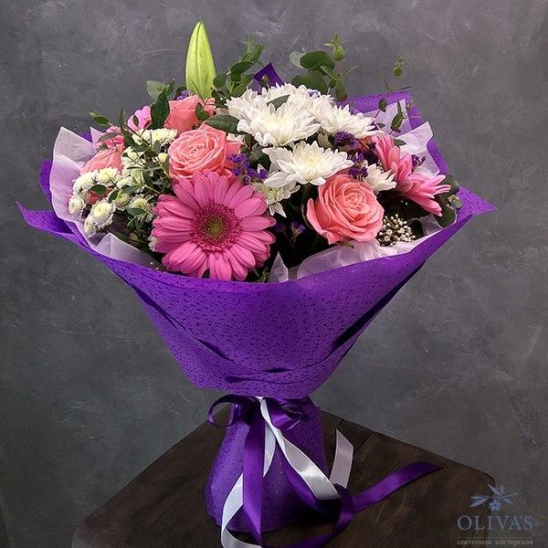 Букет из лилий и хризантем и роз008