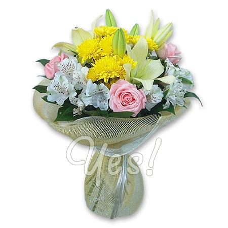 Букет из лилий и хризантем и роз010