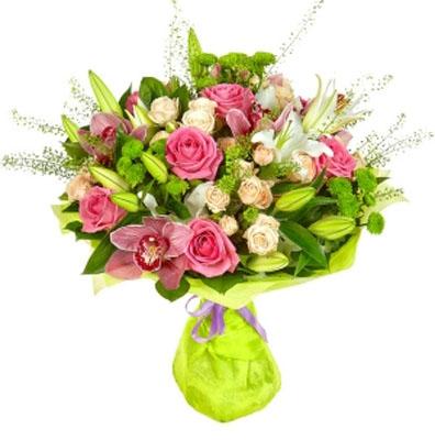 Букет из лилий и хризантем и роз013