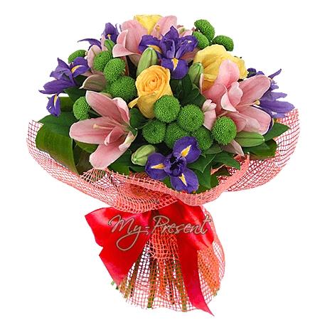 Букет из лилий и хризантем и роз017