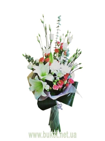 Букет из лилий и хризантем и роз020