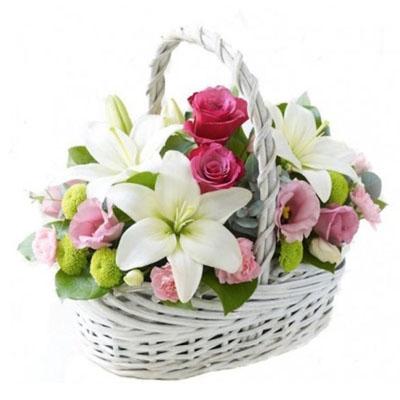 Букет из лилий и хризантем и роз024
