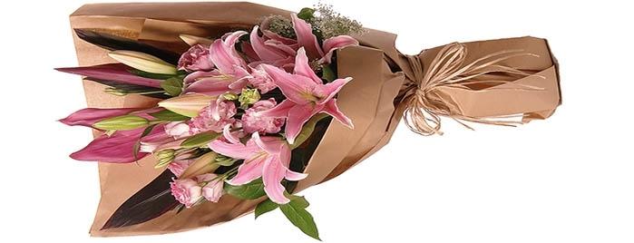 Букет из лилий и хризантем и роз025