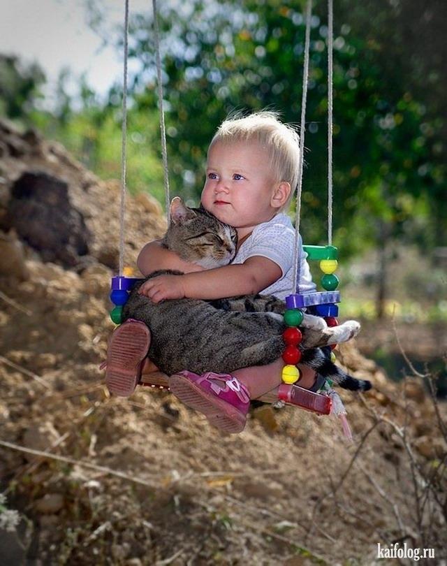 Веселые фото смешных маленьких детей 024