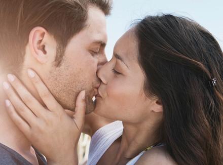 Губы мужские поцелуй картинки 007