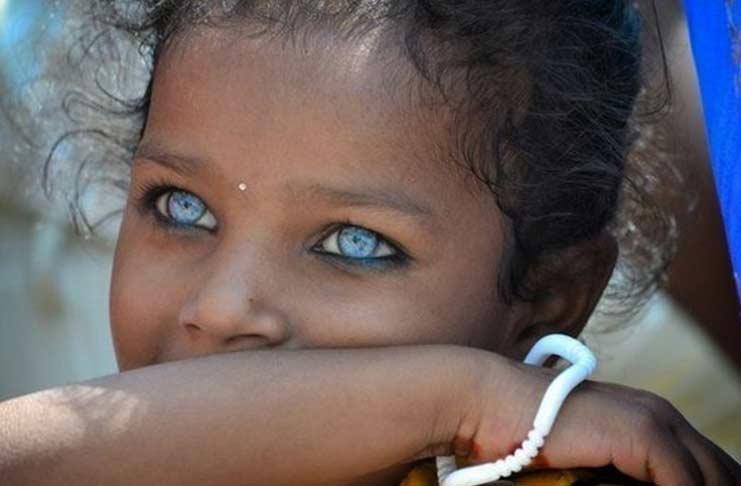 Девочка с самыми красивыми глазами 001