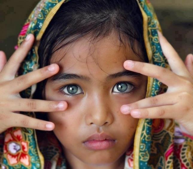 Девочка с самыми красивыми глазами 003