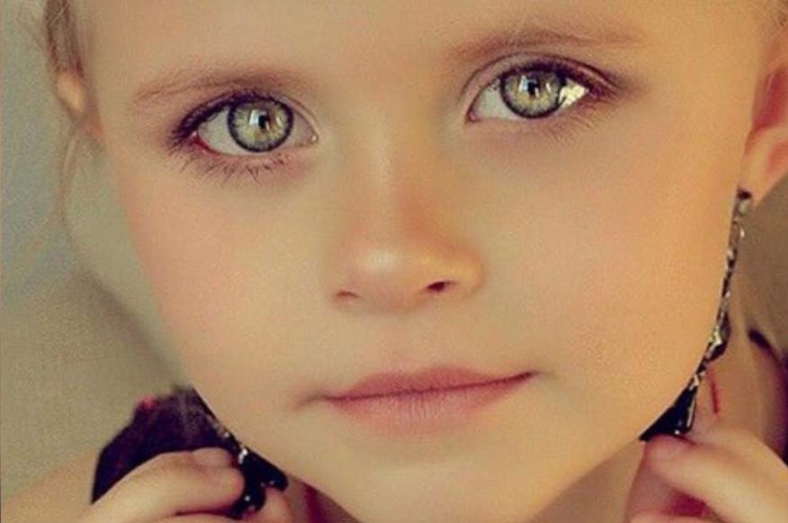 Девочка с самыми красивыми глазами 004