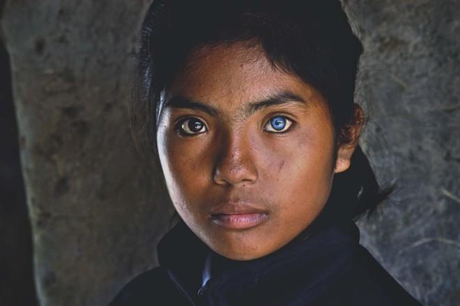 Девочка с самыми красивыми глазами 014