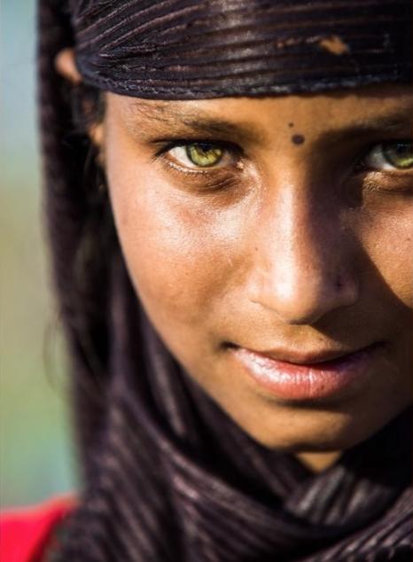 Девочка с самыми красивыми глазами 016