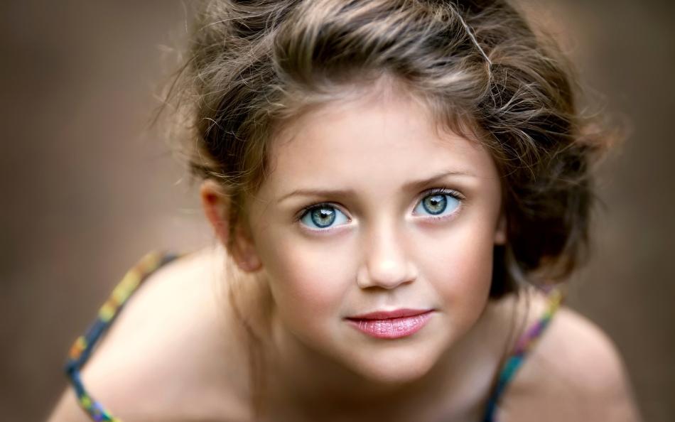 Девочка с самыми красивыми глазами 021