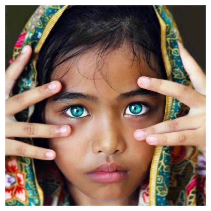 Девочка с самыми красивыми глазами 027