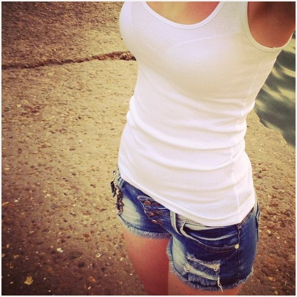 Девушка без лица в наушниках на аву   подборка 026
