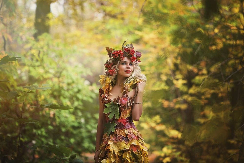 Девушка из листьев в платье   фото 001