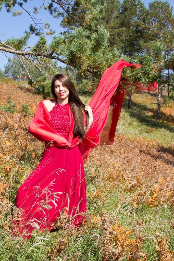 Девушка из листьев в платье   фото 014