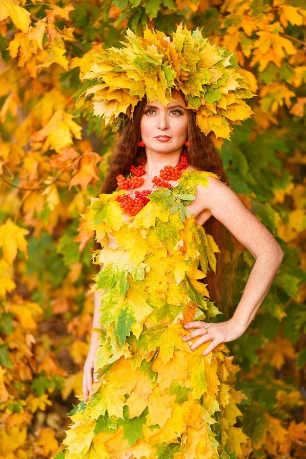 Девушка из листьев в платье   фото 016
