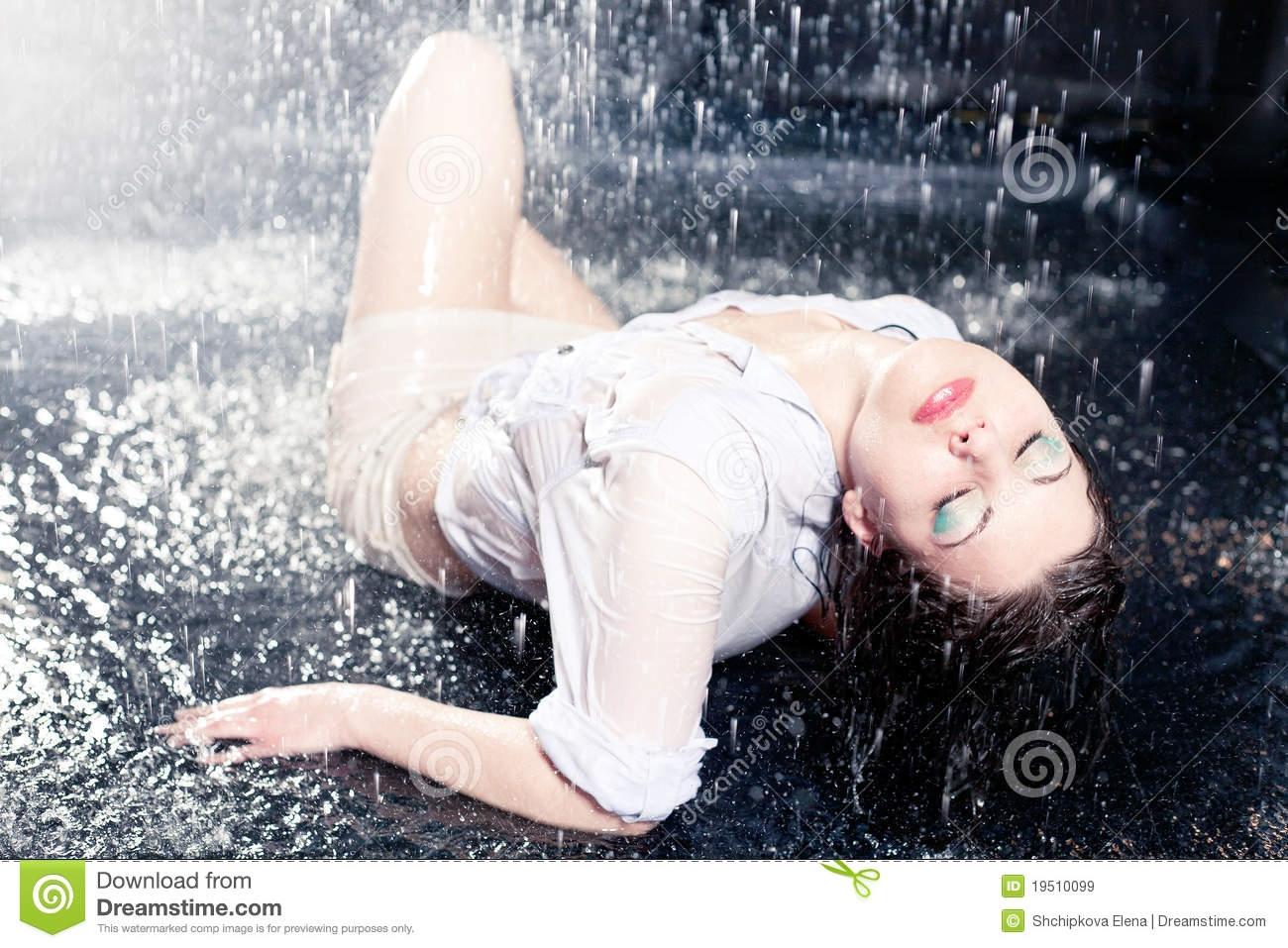 Девушка и дождь   красивые фото (9)