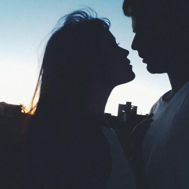Девушка и парень со спины на аву (25)