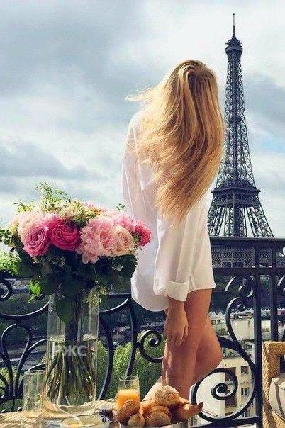 Девушка сзади с цветами   красивые фото 002