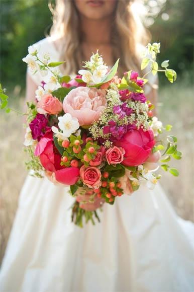Девушка сзади с цветами   красивые фото 018