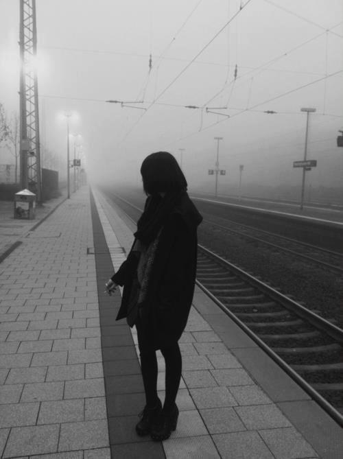 Девушка сзади с черными волосами   фото 013