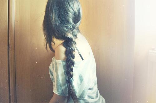 Девушка сзади с черными волосами   фото 016