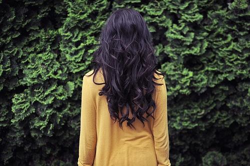 Девушка сзади с черными волосами   фото 018