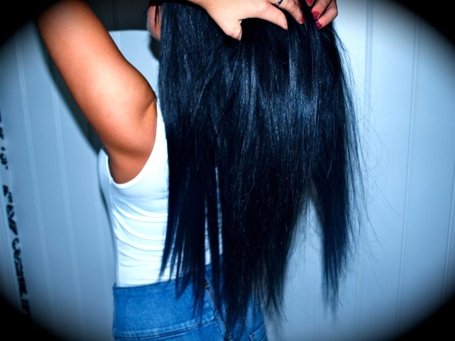 Девушка сзади с черными волосами   фото 021