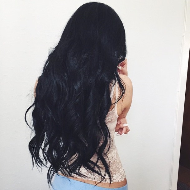 Девушка сзади с черными волосами   фото 024