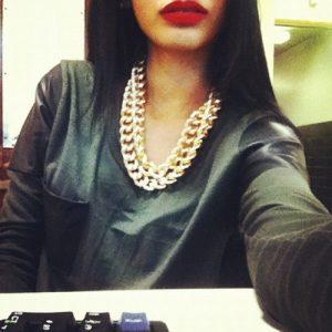 Девушка сзади с черными волосами   фото 025