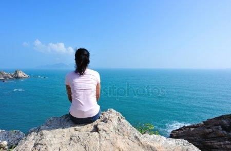 Девушка сидящая спиной картинки и фото025