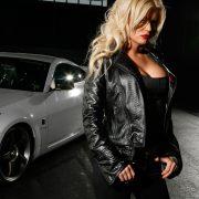 Девушки красивые в автомобилях   подборка обоев (20)