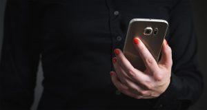 Женщина у телефона картинки и фото 021