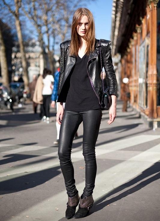 Женщины в обтягивающих штанах на каблуках   фото (12)