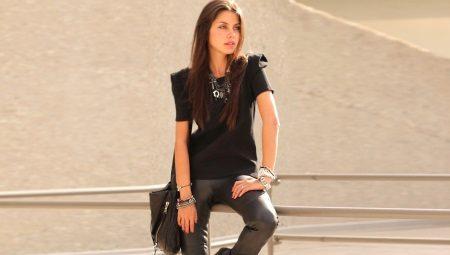 Женщины в обтягивающих штанах на каблуках   фото (18)