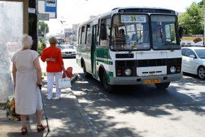 Как правильно обходить трамвай троллейбус и автобус   на заметку 023