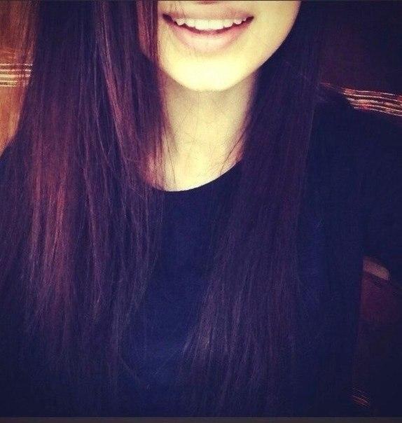 Картинка лицо девушки с волосами на аву 004