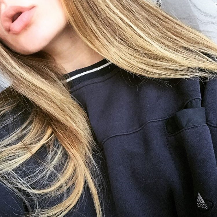Картинка лицо девушки с волосами на аву 006