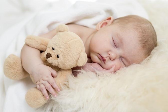 Картинка ребенок спит для детей 001