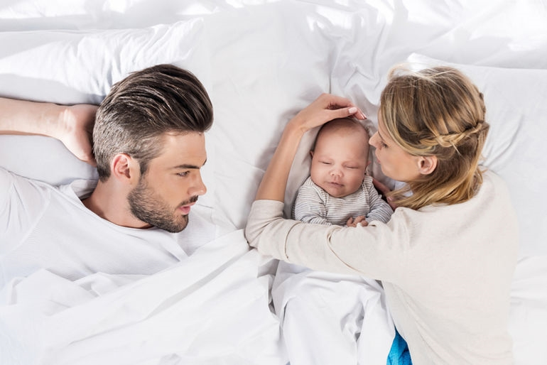 Картинка ребенок спит для детей 008