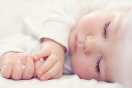 Картинка ребенок спит для детей 010