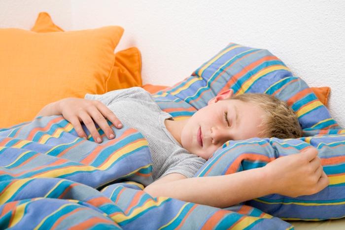 Картинка ребенок спит для детей 016