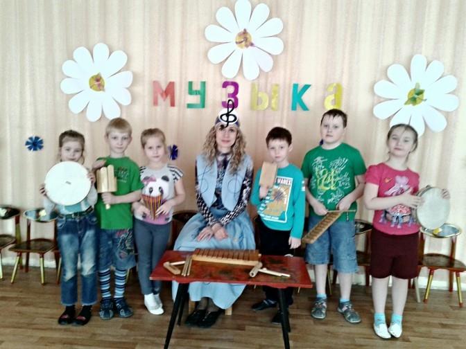 Картинки дети и музыка в детском саду023