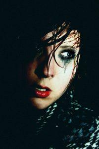 Картинки на аву в ВК девушка плачет   фото 018