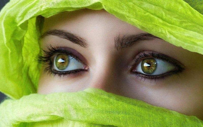 Картинки на аву глаза карие   мужские и женские 007