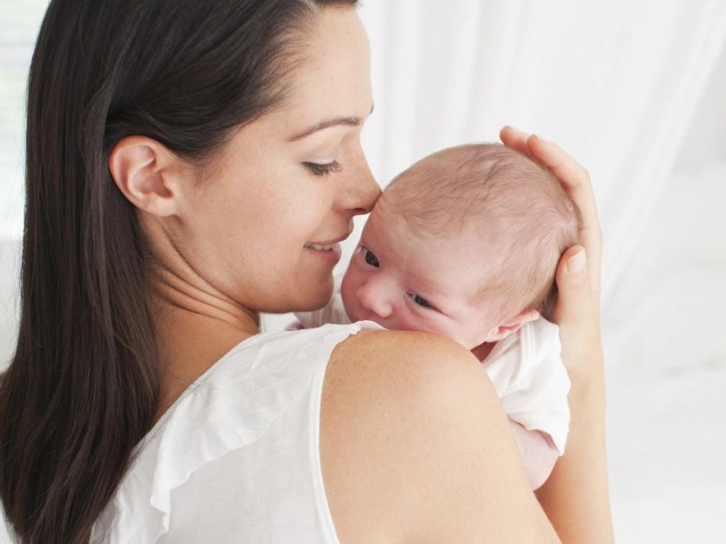Картинки рука мамы и ребенка   подборка 021