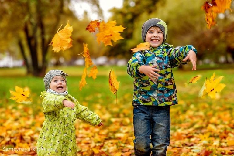 Нет, картинки про осень с детьми